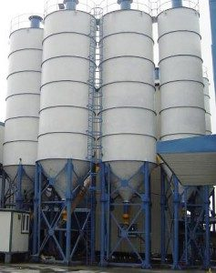Цементные силосы - фото